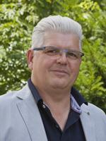 Sie sehen Dieter Schroll, den Geschäftsführer der Lebenshilfe Berchtesgadener Land