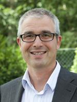 Sie sehen Markus Spiegelsberger, den zweiten Vorsitzenden der Stiftung Lebenshilfe Berchtesgadener Land