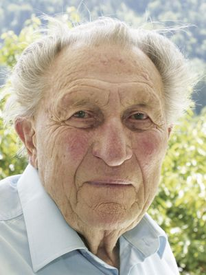 Sie sehen Herrn Dr. Werner Riedl unseren Ehrenvorsitzenden
