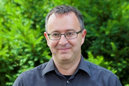 Sie sehen Herrn Rüdiger Lerach, Vorstandsmitglied der Lebenshilfe BGL